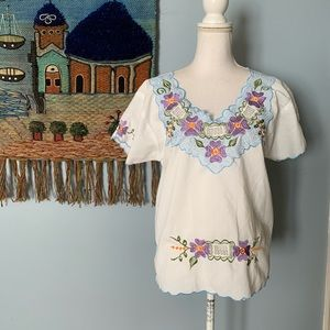 Vtg Maya Real Floral Embroidered Mexican Top med